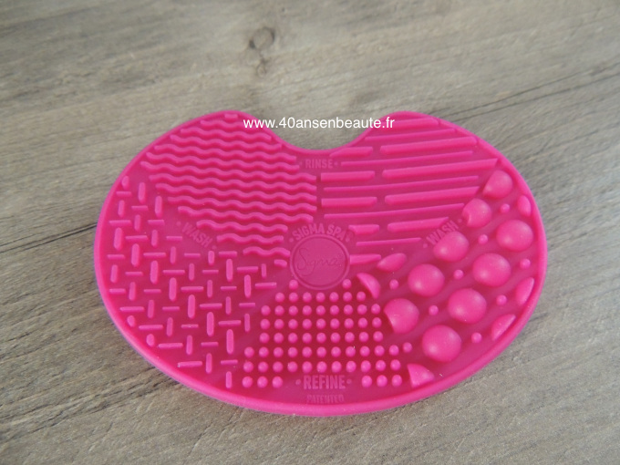 40 ANS EN BEAUTE-SIGMA-BEAUTY-NEED IT - MYSTERY BOX SPA CLEANING BRUSHES.jpg