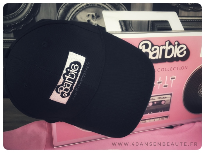 CASQUETTE-BARBIE-COFFRET-SEPHORA-COLLECTION-RADIOCASSETTE.JPG